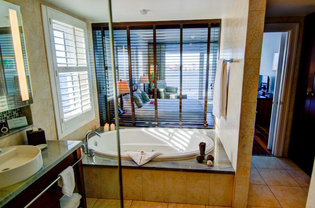 Newstead - Bathroom to Balcony